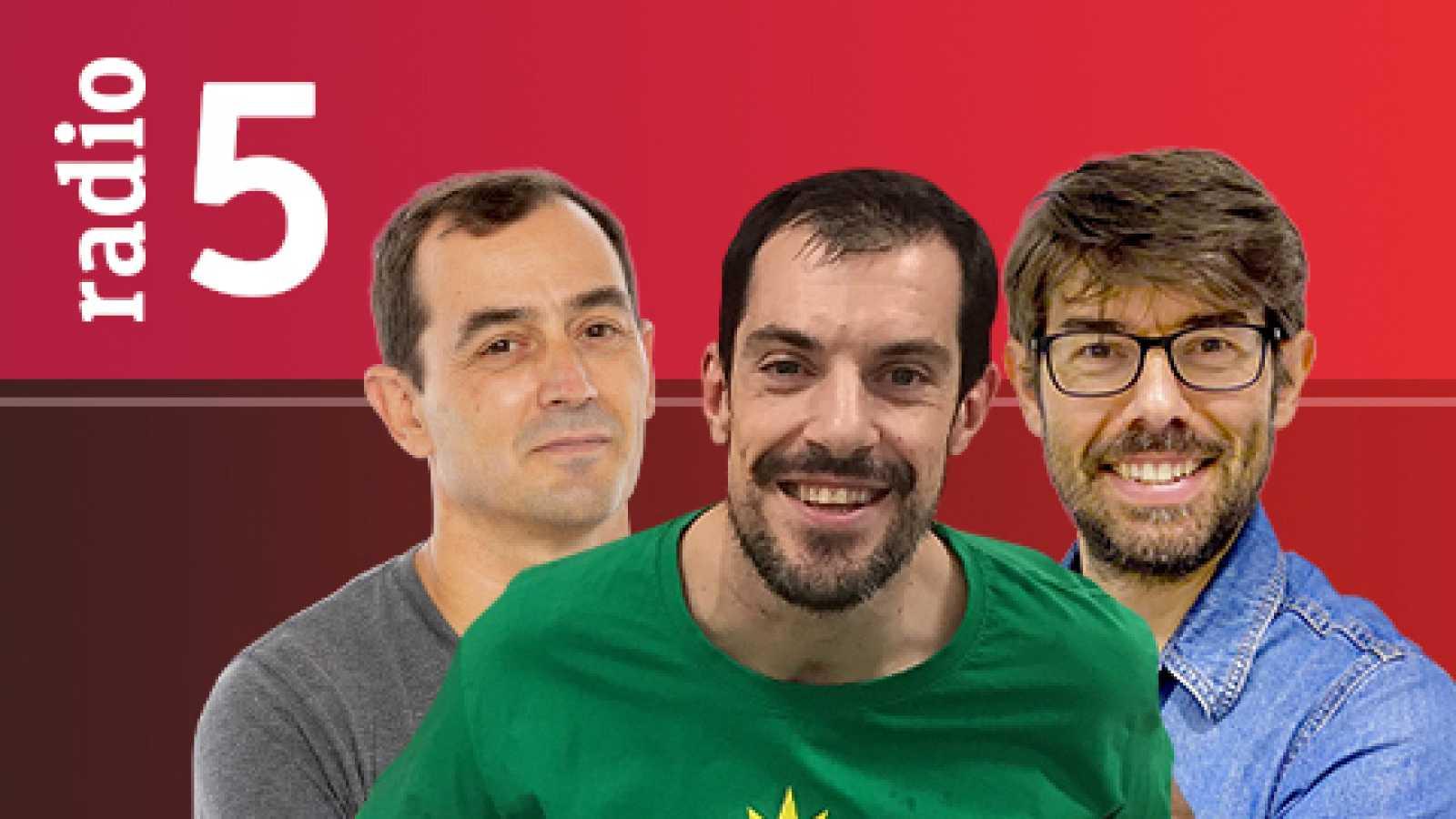 El Vestuario en Radio 5 - Duplantis bate el récord del mundo en salto de pértiga al aire libre - Escuchar ahora