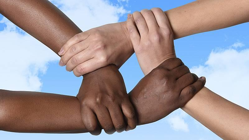 Europa abierta - Así es la nueva estrategia europea contra el racismo - escuchar ahora