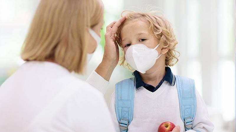 """Por tres razones - Enfermeras escolares de Madrid: """"no sabemos cómo actuar"""" - 18/09/20 - escuchar ahora"""