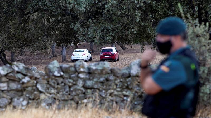 España a las 8 Fin de Semana - Encuentran restos óseos en la finca de Monesterio donde buscan el cuerpo de Manuela Chavero - Escuchar ahora