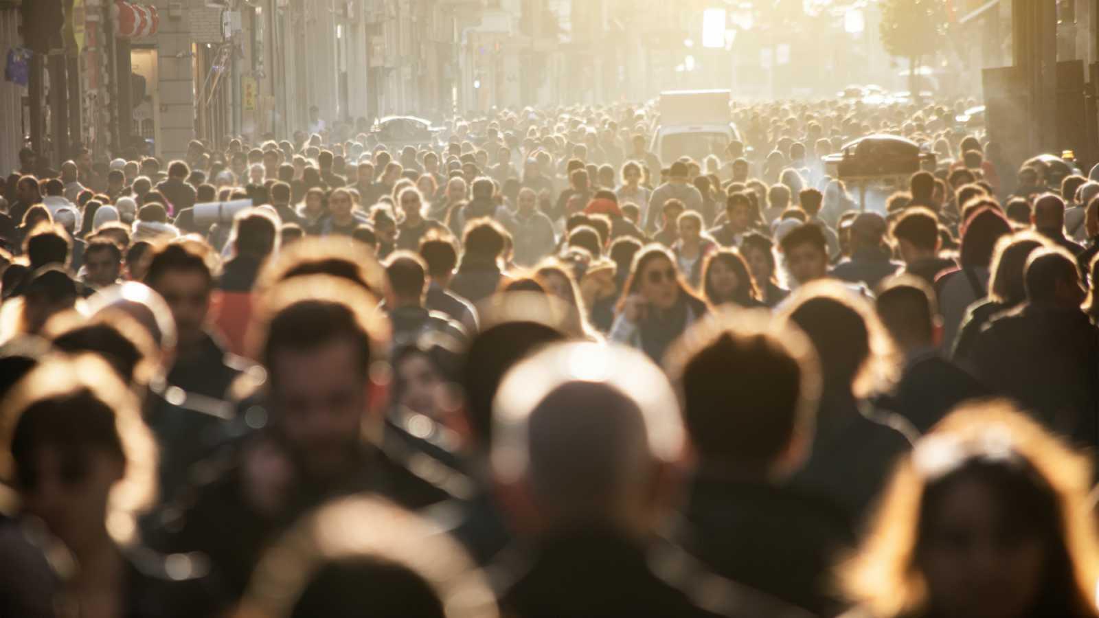 14 horas - España aumentará en más de 3 millones su población en 2070 gracias a la inmigración - Escuchar ahora