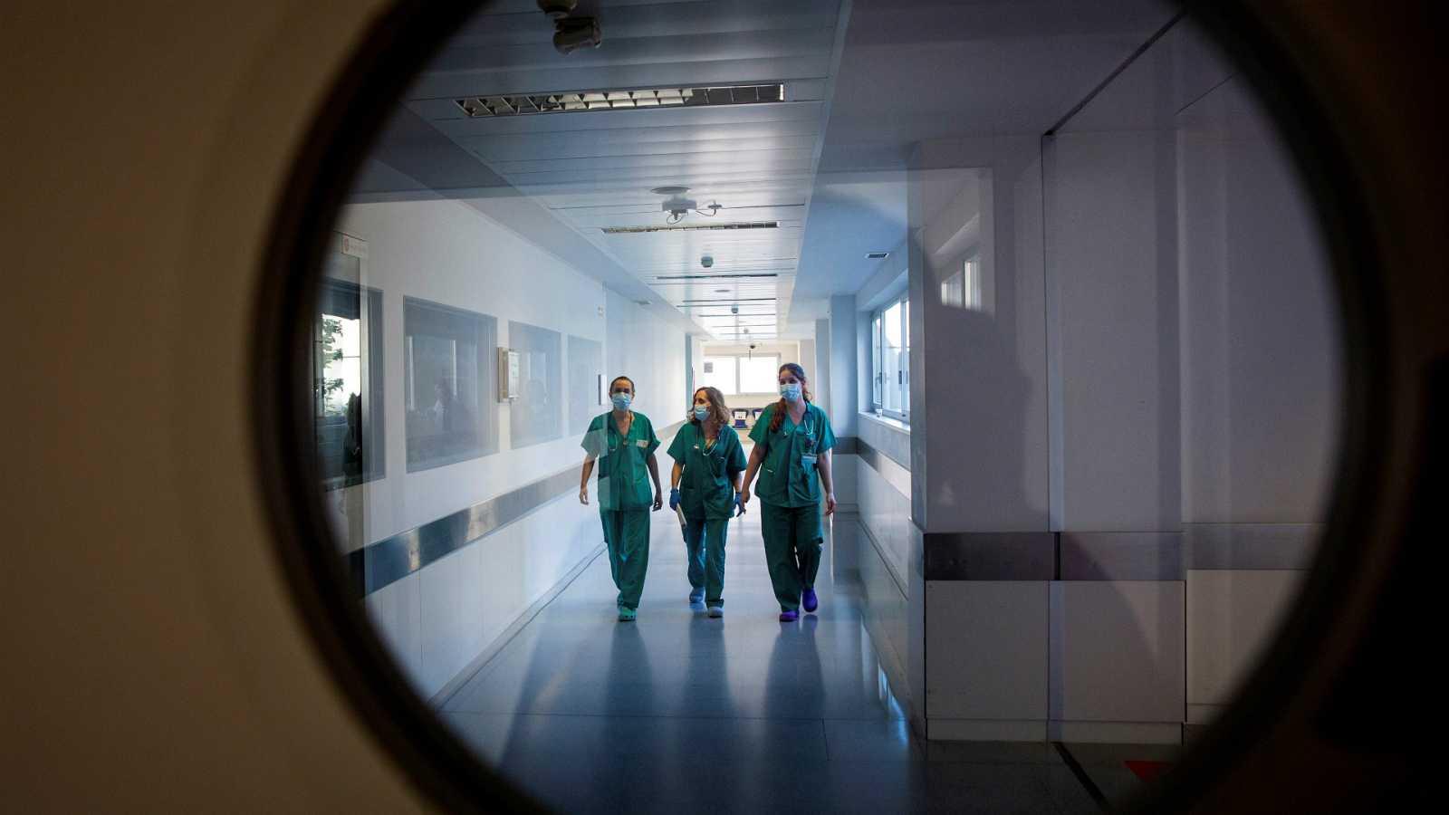 """14 horas - Los profesionales de urgencias del hospital de Logroño, """"al límite físico y psicológico"""" - Escuchar ahora"""