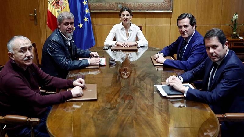 24 horas - Gobierno y agentes sociales se levantan de la mesa de negociación sin acuerdo para prorrogar los ERTE - Escuchar ahora