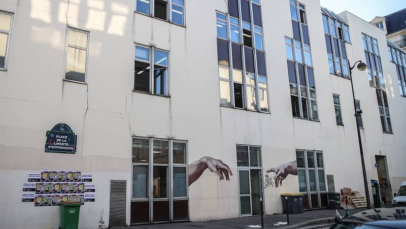 Boletines RNE - Al menos dos heridos en un ataque junto a la antigua sede del Charlie Hebdo en París - Escuchar ahora