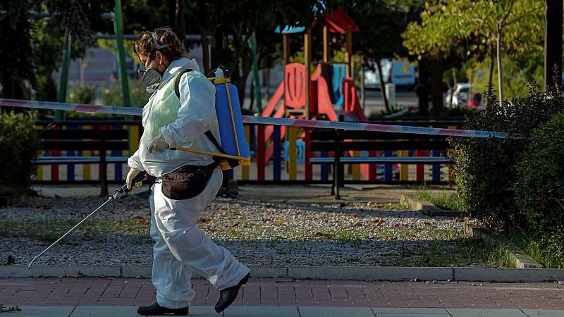Boletines RNE - Sanidad notifica 114 fallecidos y más de 3.000 nuevos contagios en 24 horas - Escuchar ahora