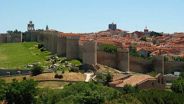 Ávila, la ciudad que mira al cielo
