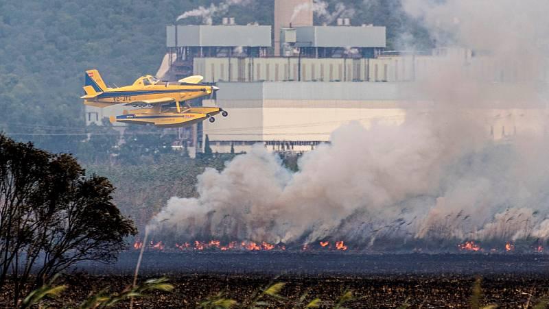 14 horas Fin de Semana - El incendio en S'Albufera deja 300 hectáreas calcinadas y varias casas afectadas - Escuchar ahora