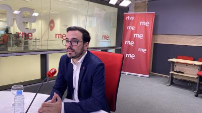 """Las mañanas de RNE - Alberto Garzón: """"Ayuso ha tenido los instrumentos y el dinero, si no ha querido actuar ha sido por una decisión política"""" - Escuchar ahora"""