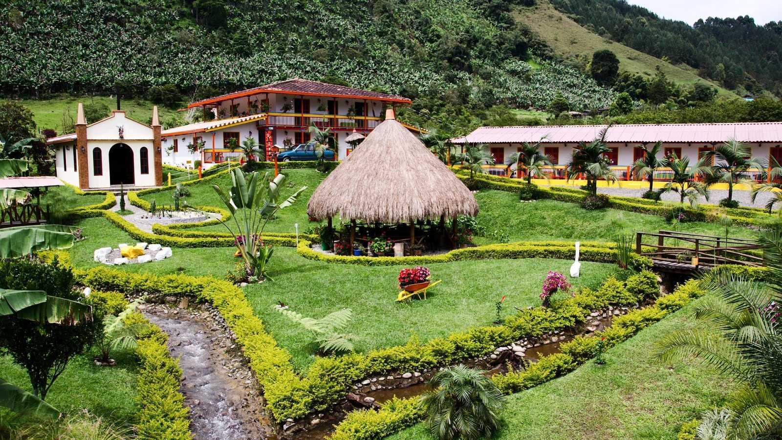 10.000 lugares para viajar con Ángela Gonzalo - Paisaje del café en Colombia - 03/10/20 - Escuchar ahora