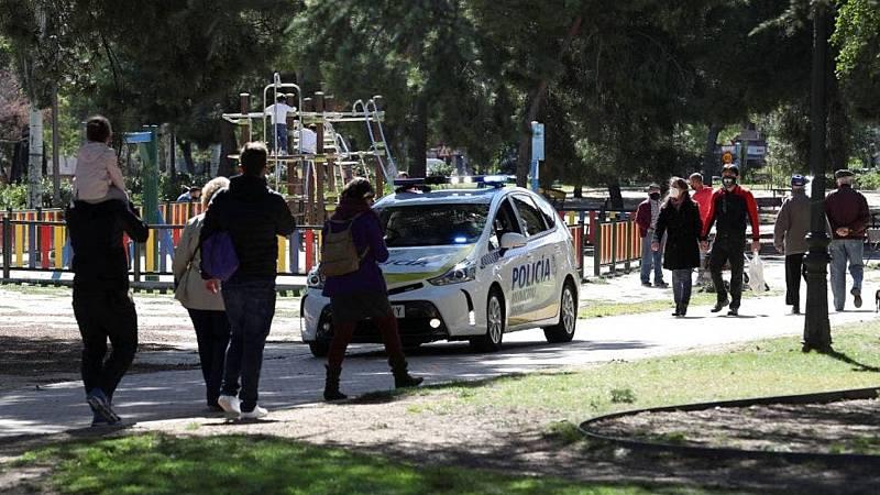Informativos fin de semana - 20 horas - Tres nuevas áreas urbanas de Madrid se suman a las restricciones desde este lunes - Escuchar ahora