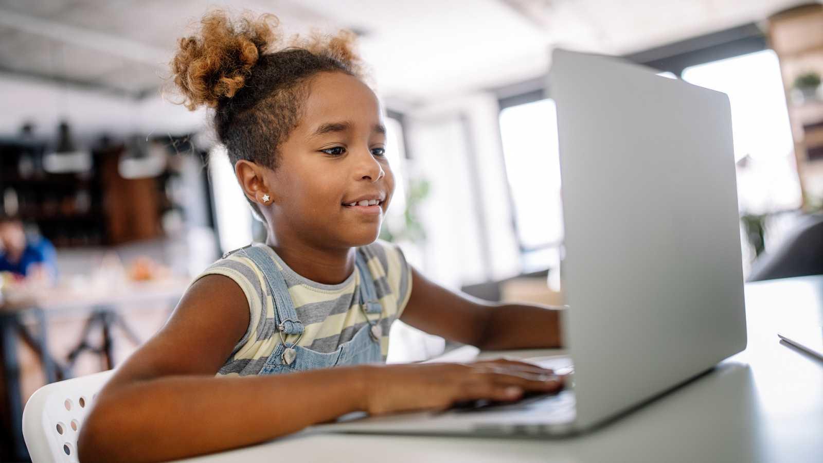 Espacio iberoamericano - La tecnología se enseña desde la infancia - 08/10/20 - escuchar ahora