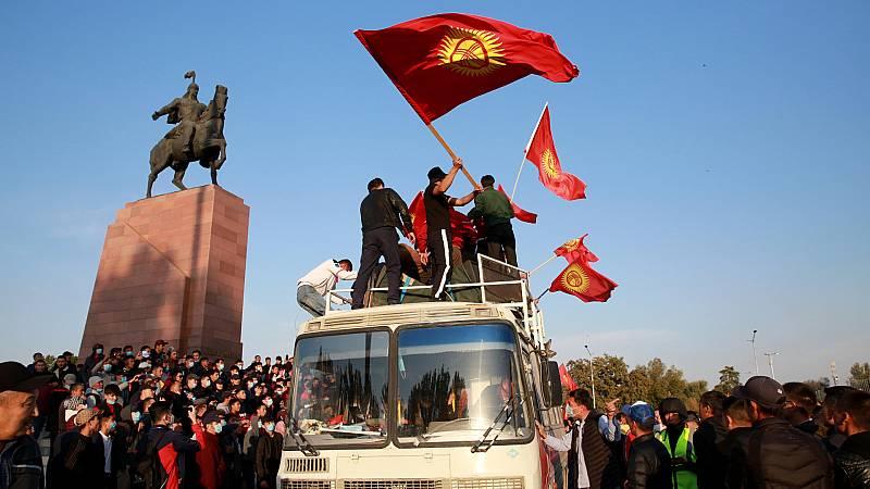 Cinco continentes - Kirguistán contra el fraude electoral - Escuchar ahora