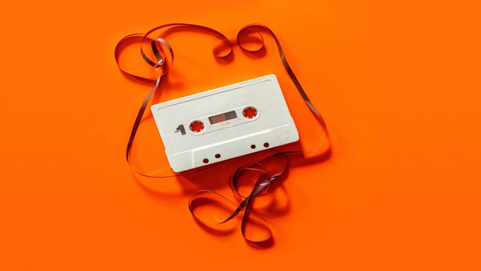 A lo loco y con patines - Música para ordenar tus artefactos musicales - 09/10/20 - escuchar ahora
