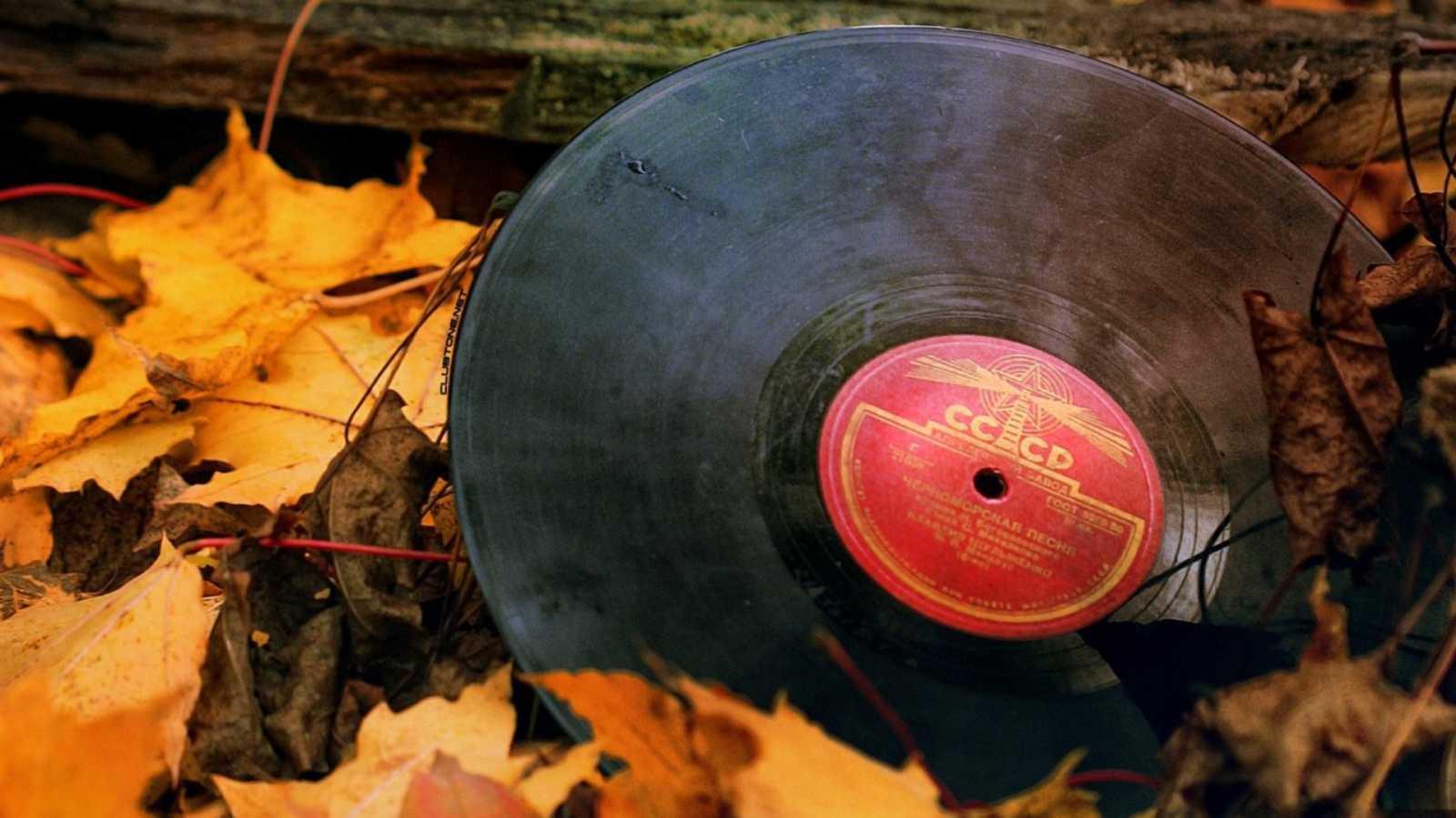 Equilibristas - Trece historias de amor (al otoño) - 11/10/20 - escuchar ahora