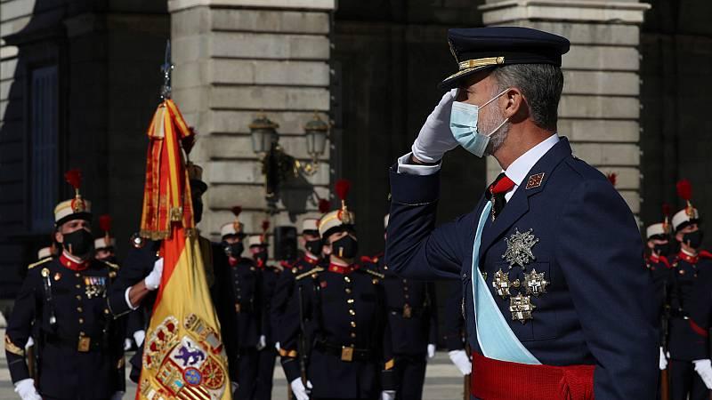 14 horas - Un austero 12-0 homenajea a los 'héroes' de la COVID con la tensión política de fondo - Escuchar ahora