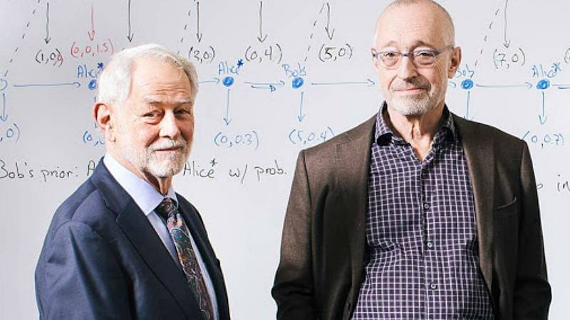 Las mañanas de RNE con Íñigo Alfonso - Milgrom se enteró del Nobel de Economía por el otro galardonado, Wilson - Escuchar ahora