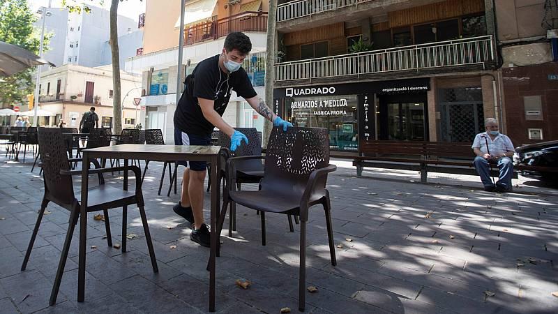 """14 horas - Cataluña cierra los bares y restaurantes 15 días """"para evitar un confinamiento total en las próximas semanas"""" - Escuchar ahora"""