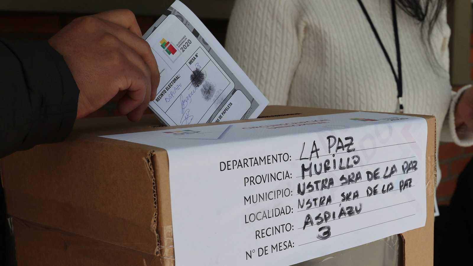 Reportajes 5 Continentes - Elecciones legislativas en Bolivia este domingo - Escuchar ahora