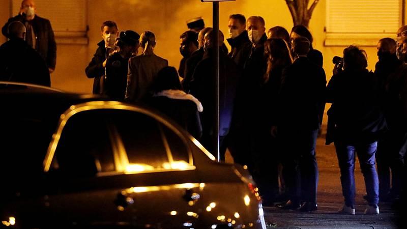 24 horas - Un hombre es decapitado en París grito de 'Ala es grande' - Escuchar ahora