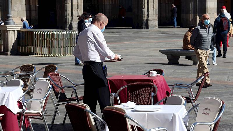 """España a las 8 Fin de Semana - Primer fin de semana de confinamiento perimetral en Salamanca: """"Tenemos que adaptarnos pero sí que hay complicaciones añadidas"""" - Escuchar ahora"""