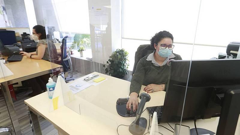 Informativos fin de semana - 14 horas - Dificultades en Galicia para pedir cita médica mientras aumentan los contagios aunque la Xunta niega colapso administrativo - Escuchar ahora