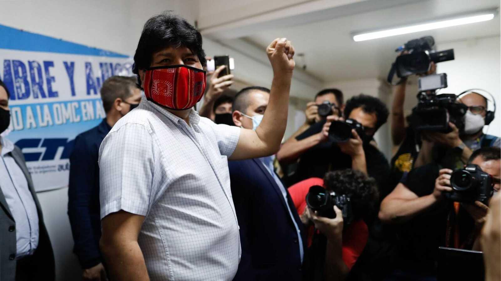 Informativos fin de semana - 20 horas - Arce critica la decisión del Tribunal Electoral de Bolivia de no dar datos preliminares y afirma esperarán con calma - Escuchar ahora