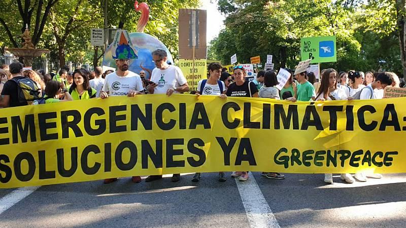Boletines RNE -  Greenpeace dice que Ecoembes realiza prácticas fraudulentas - Escuchar ahora