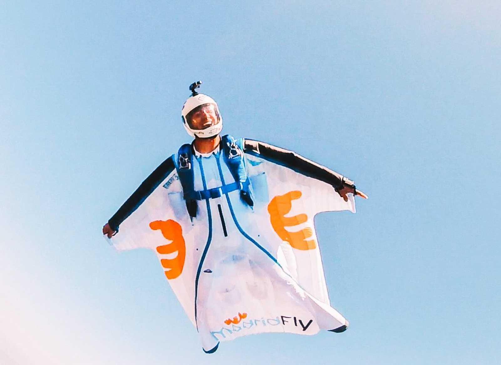 Gens Comú - David Tejeiro, esportista de parapent i vestit d'ales
