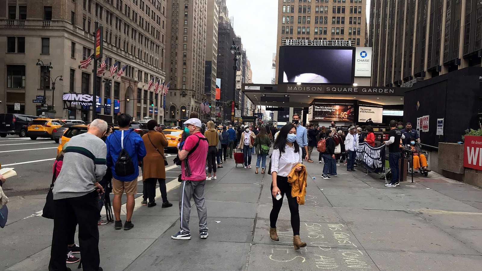 14 horas - Colas para votar por anticipado en Nueva York con más participación que hace cuatro años - Escuchar ahora
