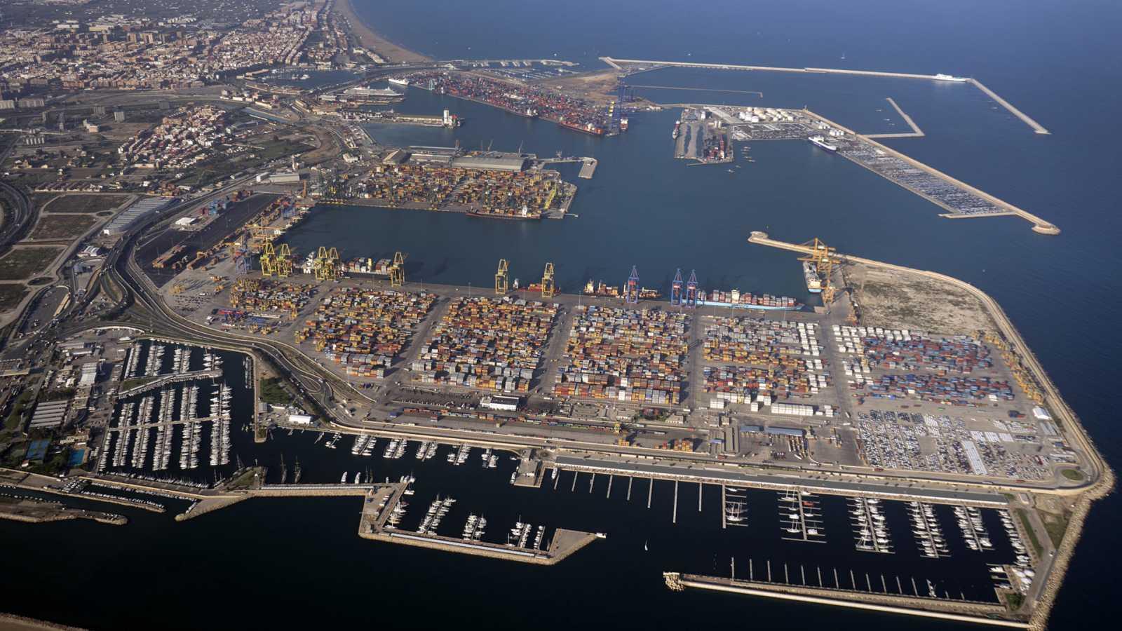 Españoles en la mar - El puerto de Valencia renueva el certificado de gestión ambiental PERS - 26/10/20 - Escuchar ahora