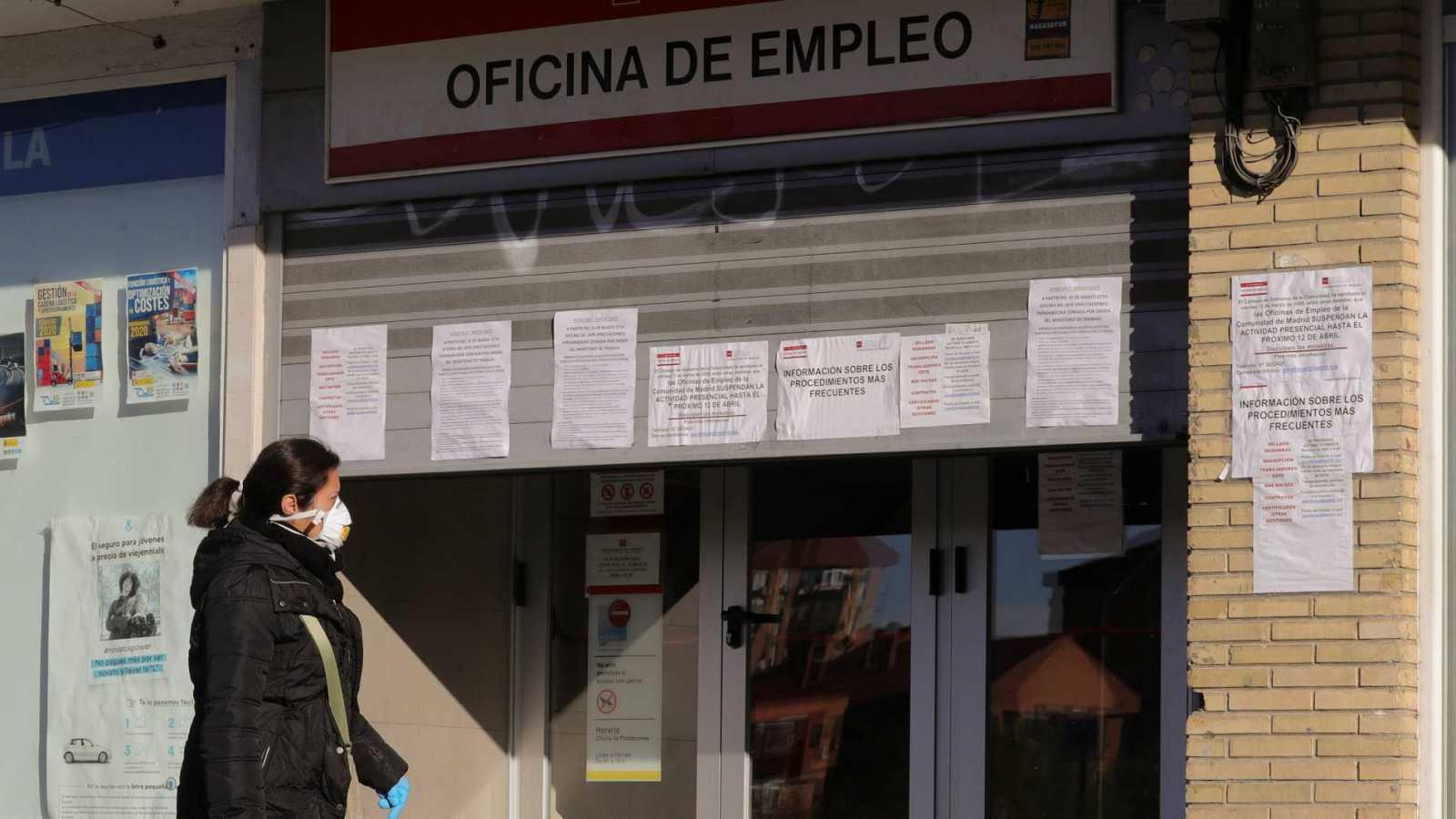 Edició Migdia - Els aturats a Catalunya superen el mig milió