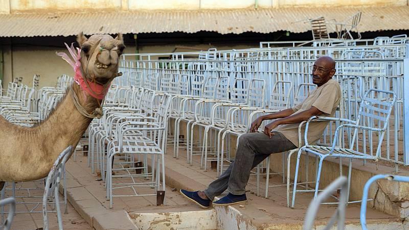Artesfera - Cinenómada programa el ciclo 'El humor en los cines africanos' - 28/10/20 - escuchar ahora