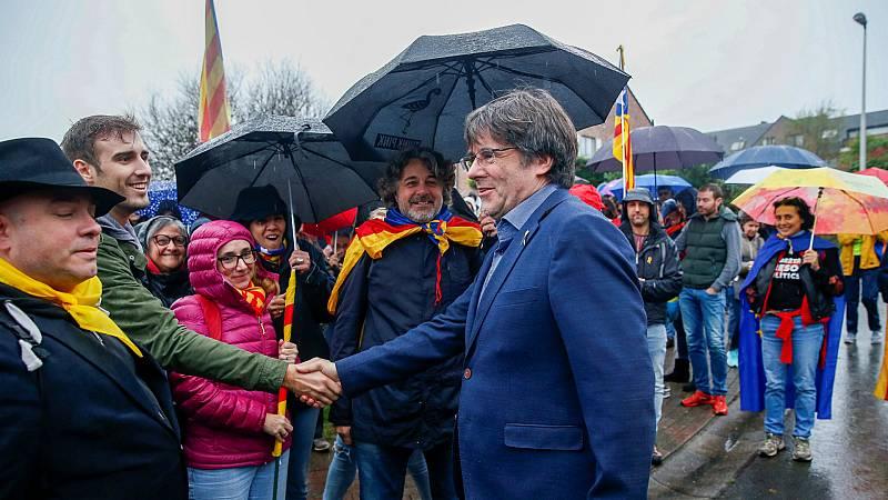 Boletines RNE - Varios detenidos por el presunto desvío de fondos públicos a Tsunami Democràtic para financiar los gastos de Puidemont en Bélgica - Escuchar ahora