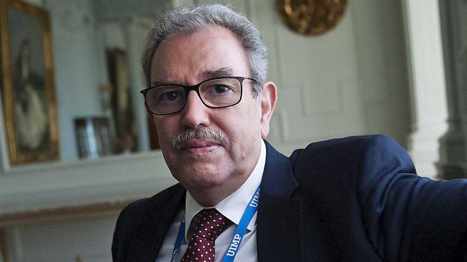 """24 horas - Vicente Larraga, investigador del CSIC, no descarta un segundo confinamiento: """"Si no logramos controlar los contagios con estas medidas..."""""""