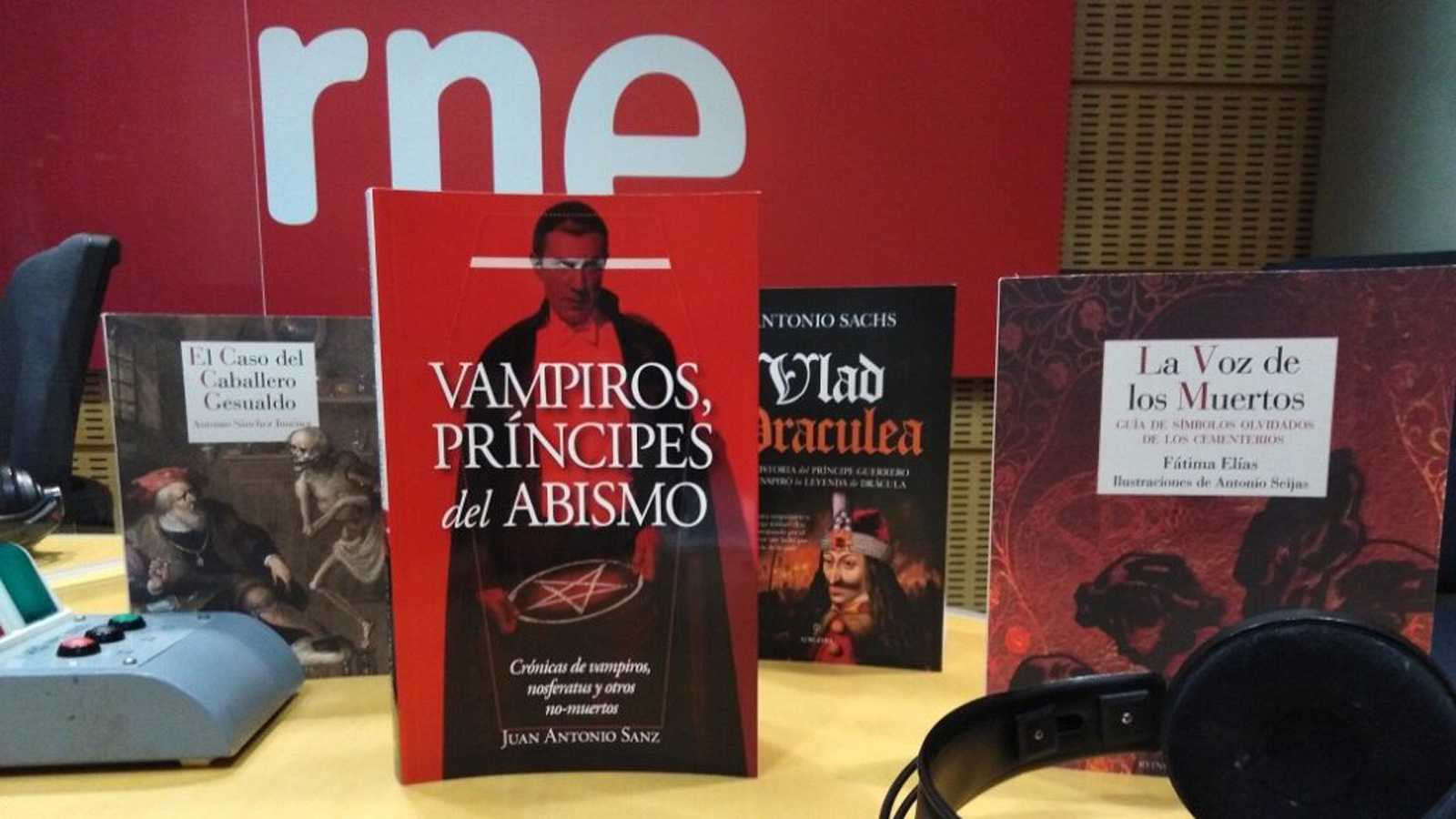 Sexto continente - Día de Todos los Muertos. Vampiros y muertos vivientes venidos de China - 31/10/20 - escuchar ahora