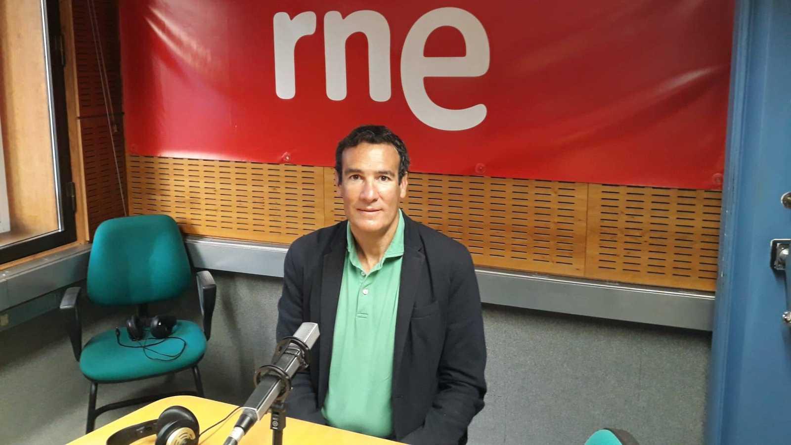 """Las mañanas de RNE con Íñigo Alfonso - Minder, corresponsal del New York Times: """"De España interesa la pandemia y las tensiones políticas"""" - Escuchar ahora"""