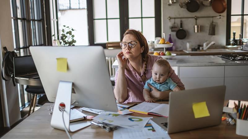 Mamás y papás - Emprendedoras y madres: el arte de conciliar - 01/11/20 - Escuchar ahora