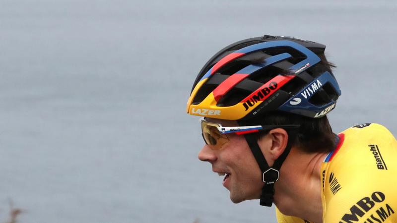 El Vestuario en Radio 5 - Primoz Roglic se hace con su tercera etapa en esta edición de La Vuelta - Escuchar ahora