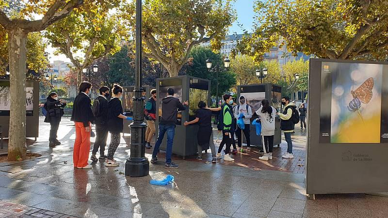 """14 horas informativos Fin de semana - Sánchez elogia a los jóvenes de La Rioja que han limpiado los destrozos de los incidentes: """"Nuestro país es esto"""" - Escuchar ahora"""