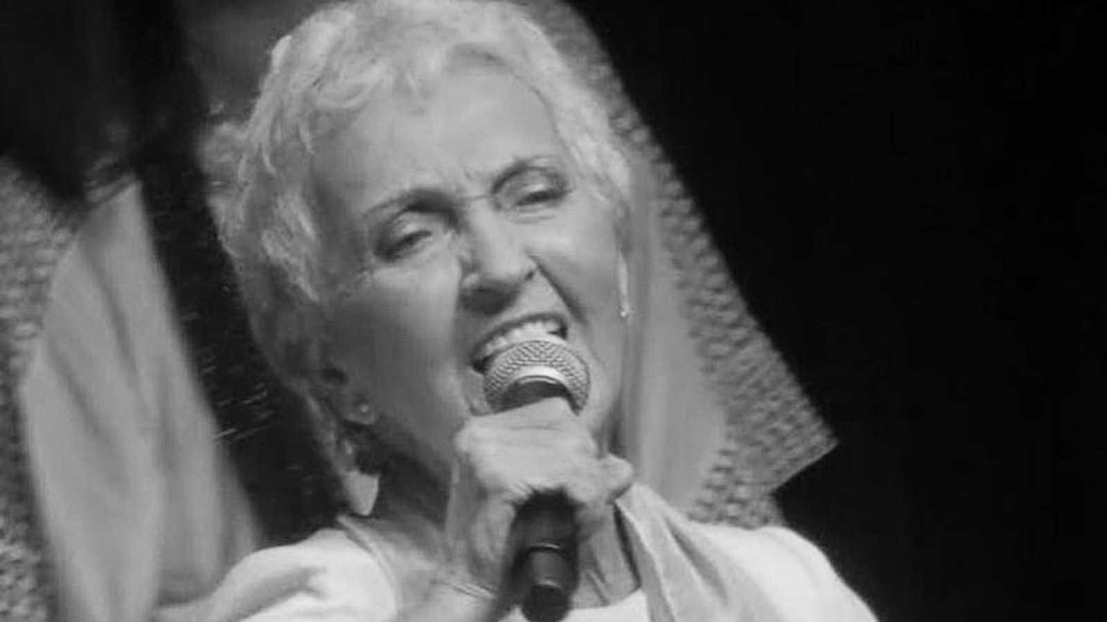 Emisión en sefardí - Homenaje despedida a Dina Roth, gran difusora de la cultura y kantes sefardíes - 01/11/20 - escuchar ahora