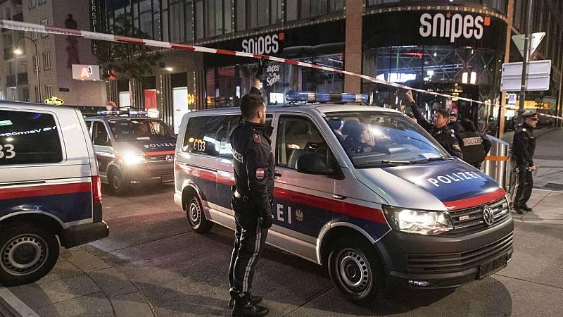 Las mañanas de RNE con Íñigo Alfonso - Noche de horror en Viena tras un ataque yihadista que deja cuatro muertos y 17 heridos - Escuchar ahora