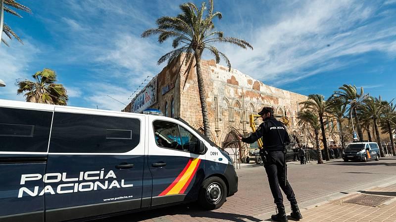 Boletines RNE - Detenido un hombre en Palma por el asesinato de su pareja, una mujer de 32 años - Escuchar ahora