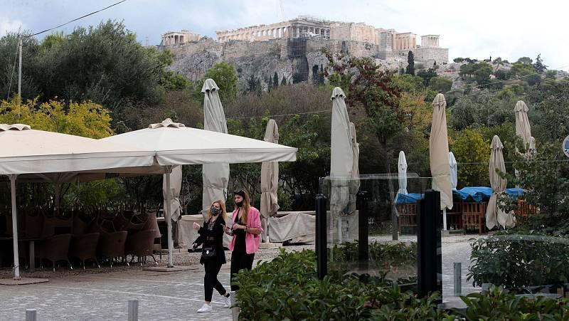 14 horas - Grecia confina a la población durante tres semanas ante la presión en los hospitales - Escuchar ahora