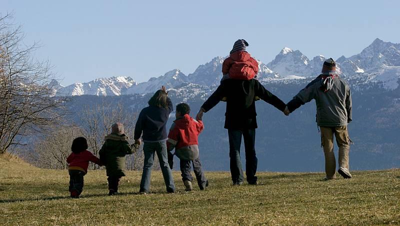 Mamás y papás - Familias numerosas: disfrutando la multitud - 08/11/20 - Escuchar ahora