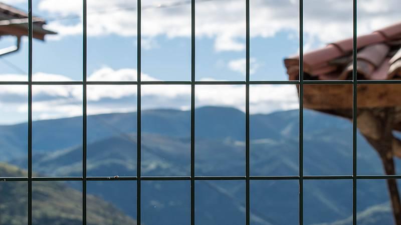 Por tres razones - 'El Vaca', el preso que ha hecho un trato con la enfermedad - Escuchar ahora