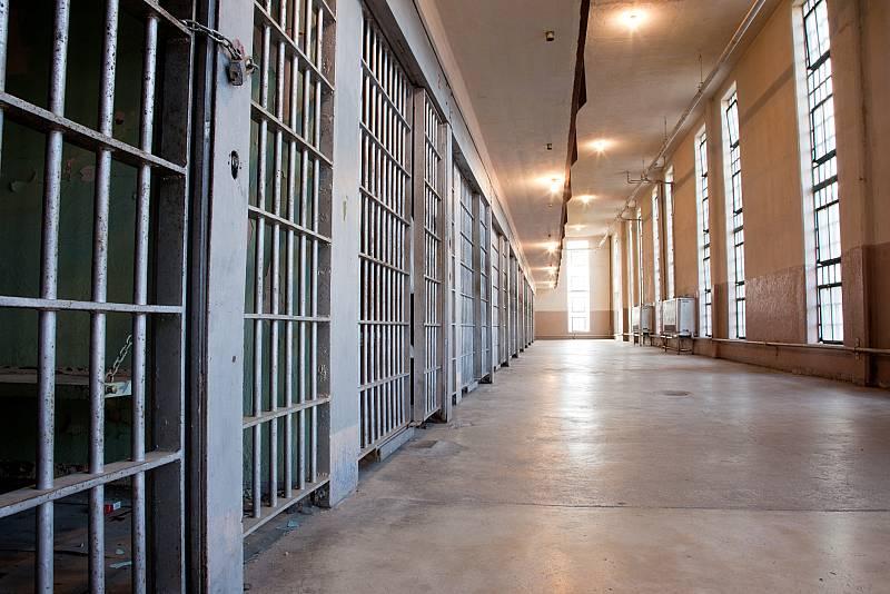 Por tres razones - Willy, el 'casamentero' de la cárcel - Escuchar ahora