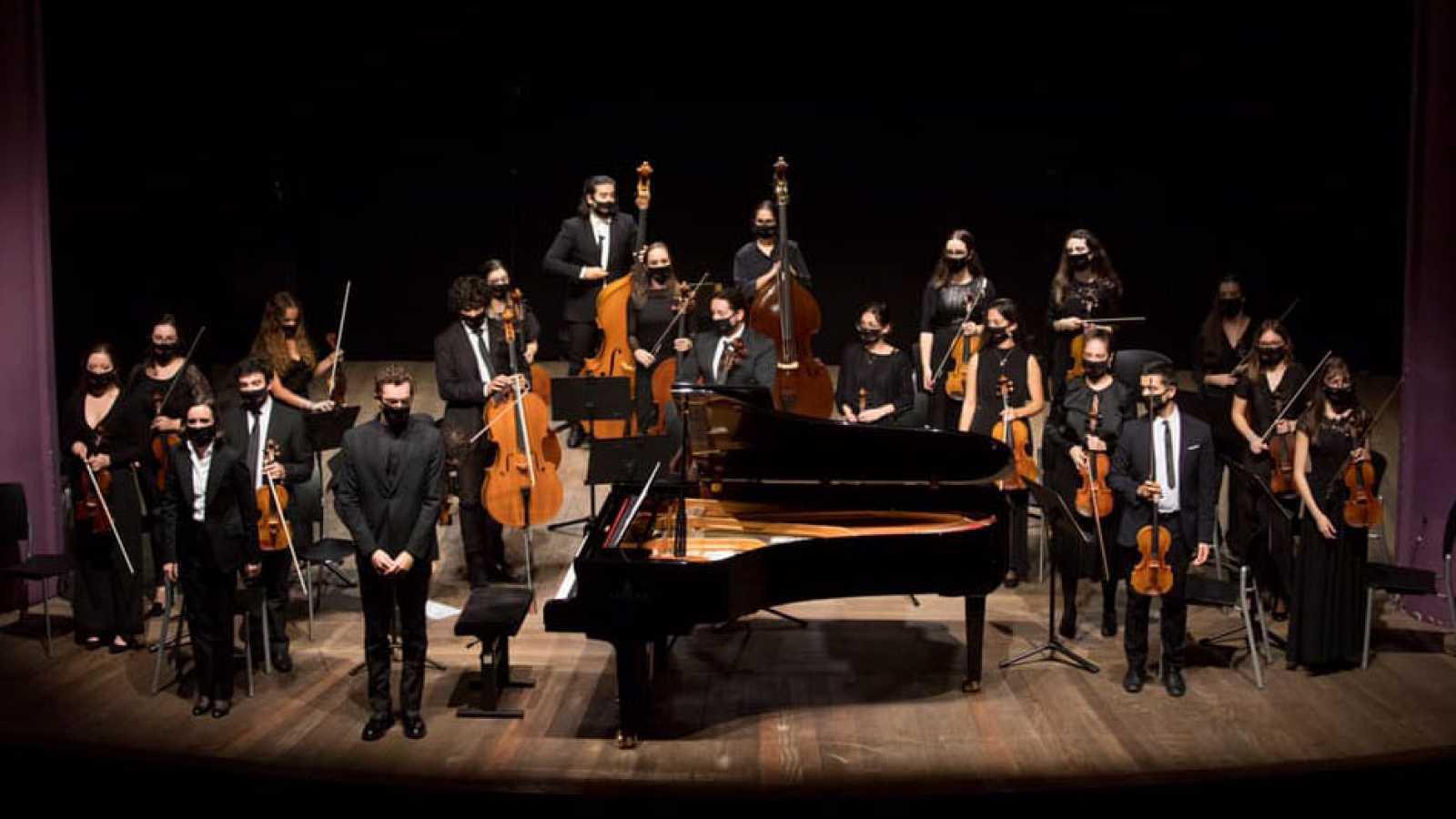 Emissão em Português - Conhecemos a Orquestra Sem Fronteiras, formada por jovens portugueses e espanhóis - 06/11/20