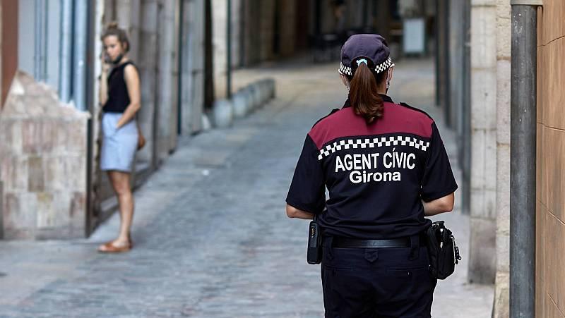 14 horas - Un hombre mata a su mujer y se entrega a la policía en Girona - Escuchar ahora
