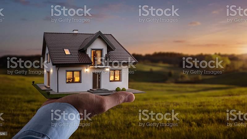 Más cerca - La compraventa de viviendas desciende de forma menos acusada - Escuchar ahora