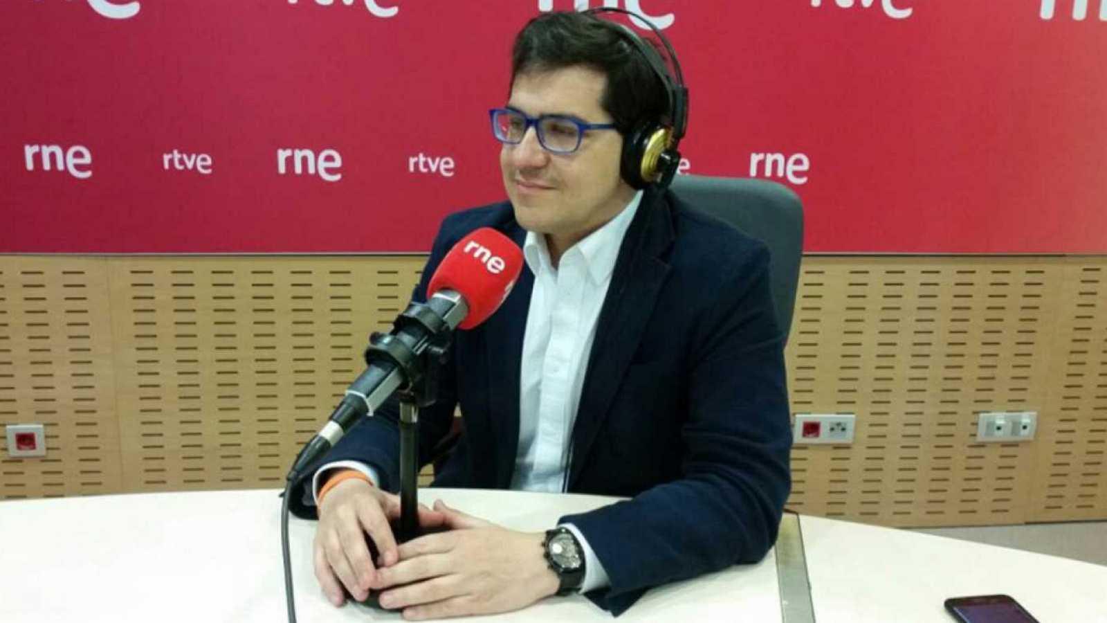 Parlamento - Radio 5 - Espejo afirma que Ciudadanos no cierra la puerta al pacto por los PGE pero pide a Sánchez que decida con quién quiere sacarlos adelante - Escuchar ahora